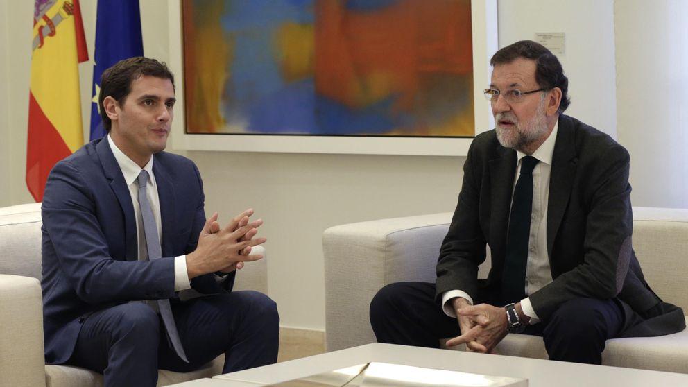 Desconcierto en Moncloa por el protagonismo de Rivera e Iglesias con Rajoy
