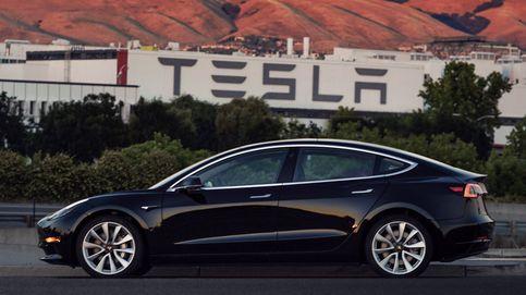 Estas son las primeras imágenes reales del Model 3, el coche 'low cost' de Tesla