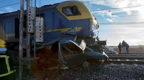 Dos fallecidos en un choque con un tren en Manzanares