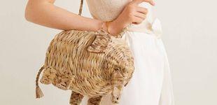 Post de Mango ha creado un bolso con forma de elefante y lo querrás en todos tus looks
