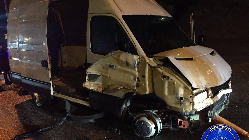 Detenido el conductor kamikaze que atravesó la frontera de Ceuta con 52 inmigrantes
