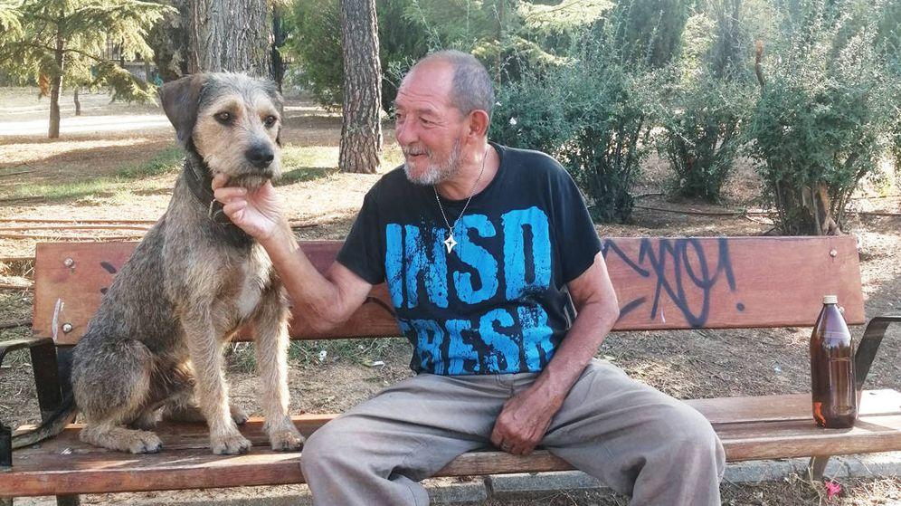 Foto: Benito y su perro, Golfo. (A. Marra)