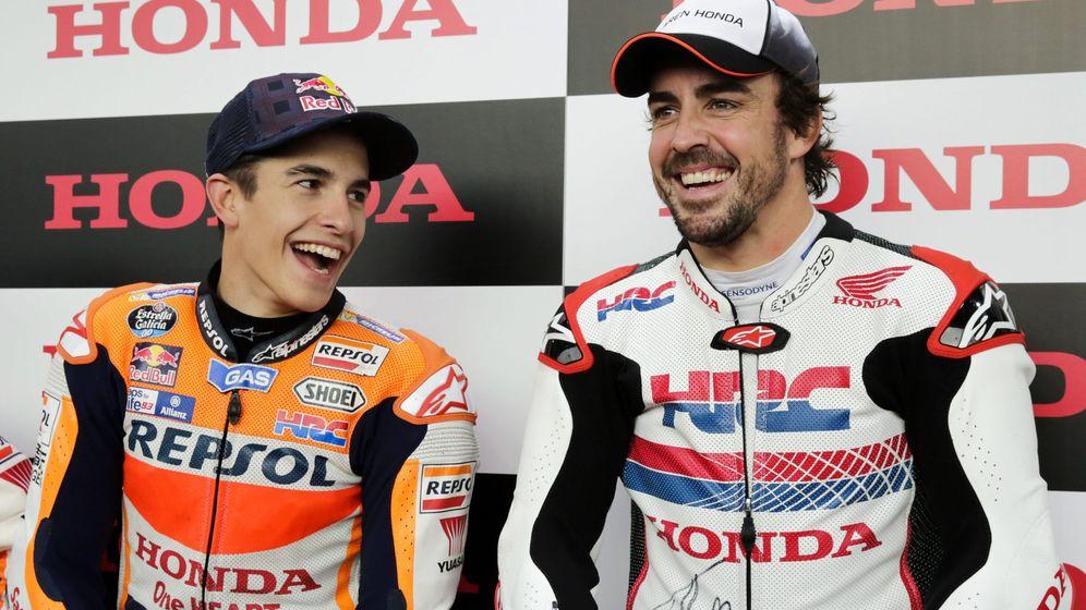 Foto: Fernando Alonso y Marc Márquez compartieron directo en Instagram. (EFE)