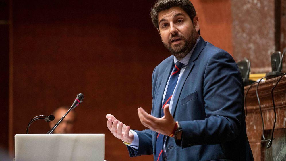 Foto: El candidato del PP en Murcia, Fernando López Miras, en el debate de investidura fallido. (EFE)