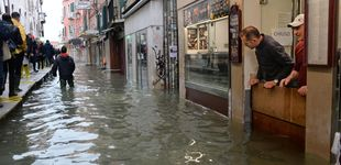 Post de El 'agua alta' cubre de nuevo Venecia tras la histórica subida de 187 centímetros
