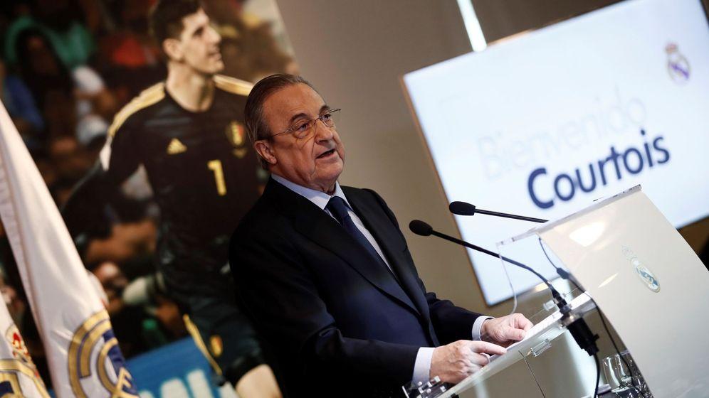 Foto: Florentino Pérez, en la presentación de Courtois. (EFE)