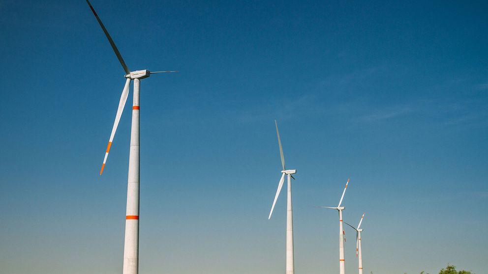 Acciona y Axa compran el 33% que KKR tenía en el negocio eólico de la compañía por 445 M