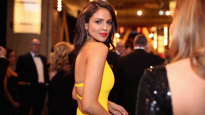 Eiza González es imagen del nuevo perfume de moda: repasamos su estilo