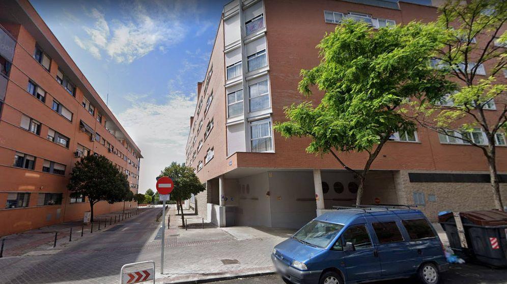 Foto: El hombre cayó fulminado en la calle Péndulo, de Madrid, que es peatonal y tiene acceso restringido a los vehículos. (Foto: Google Maps)
