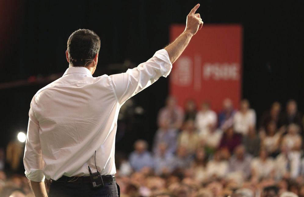 Foto: Pedro Sánchez, durante su mitin de campaña en el auditorio de Zaragoza, este 19 de junio. (EFE)