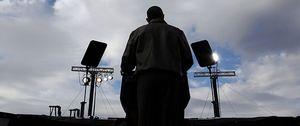 Obama ataca con el general Powell, Romney con Hugo Chávez
