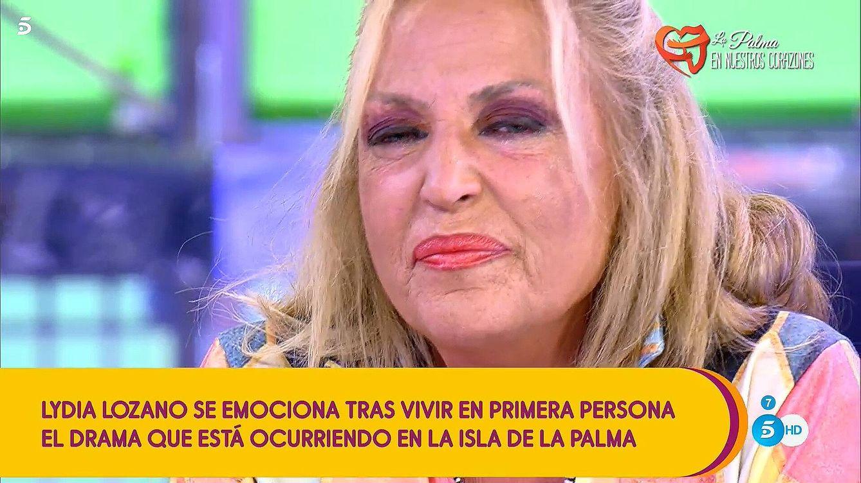 Lydia Lozano se parte en dos en 'Sálvame' tras el apoyo de Carlota por su drama en La Palma