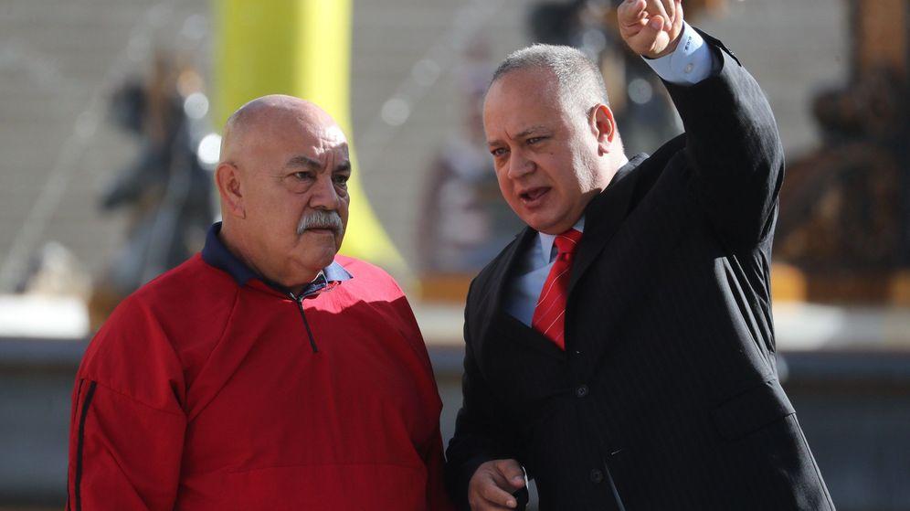 Foto: Darío vivas, a la izquierda, junto a Diosdado Cabello (EFE)
