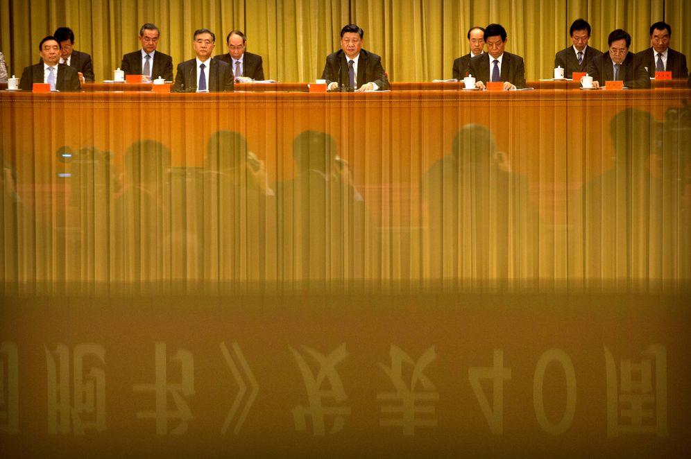 Foto: El presidente chino Xi Jinping (C) durante su discurso en el Gran Palacio del Pueblo de Pekín. (Reuters)
