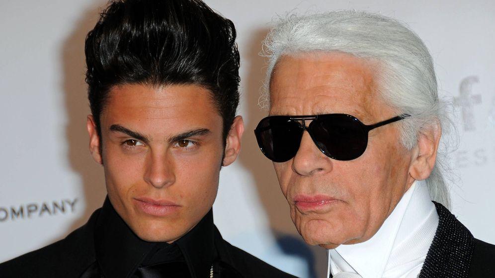 Foto: Baptiste Giacobini y Karl Lagerfeld. (Getty)