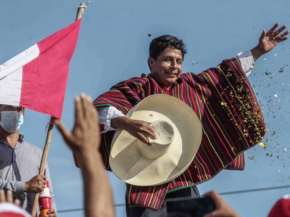 """Foto: Pedro castillo, el presidente campesino que desafía el """"statu quo"""" de perú"""