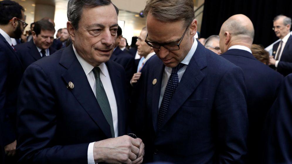 Foto: El presidente del Bundesbank, Jens Weidmann, junto al expresidente del BCE, Mario Draghi