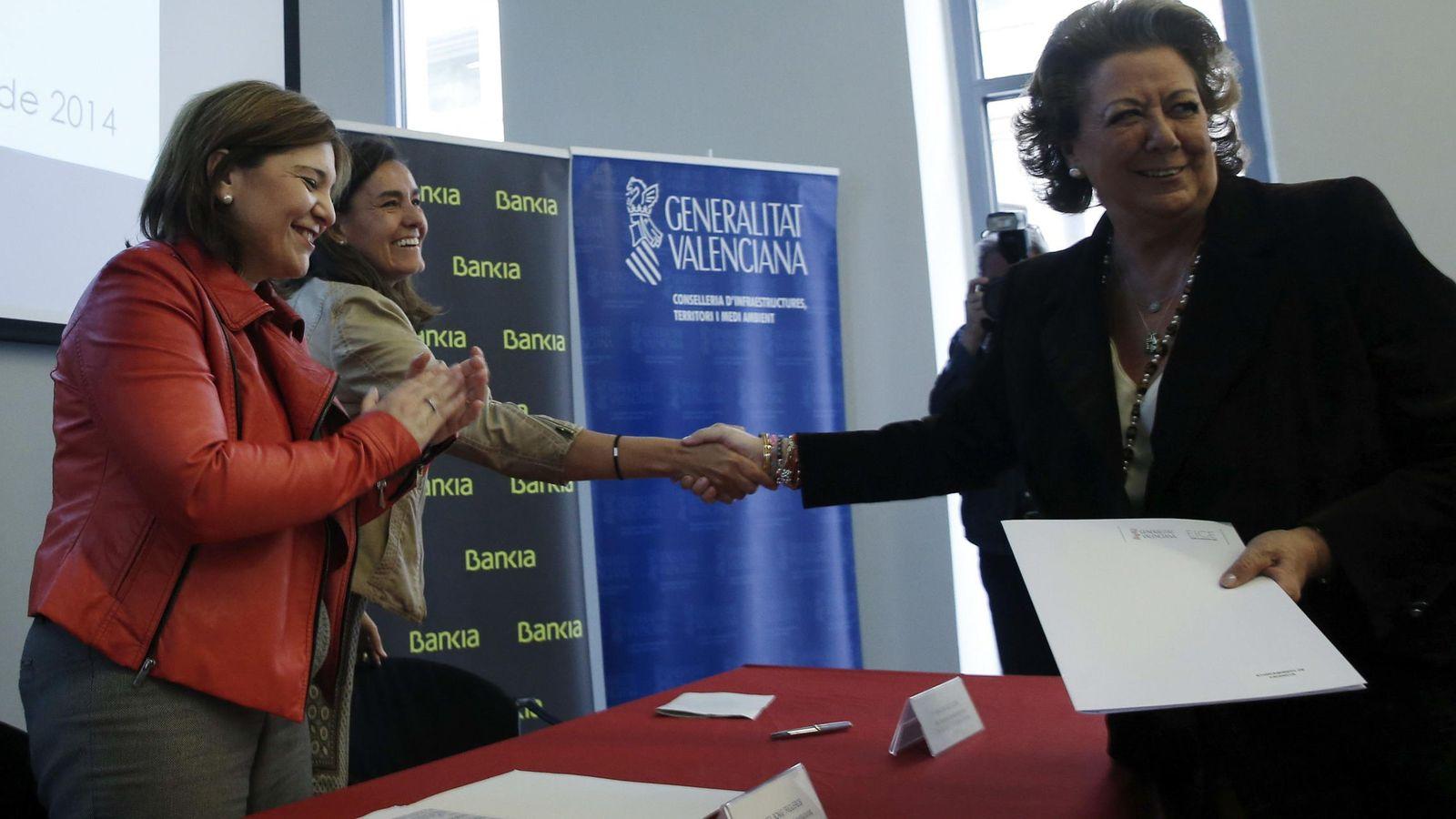 Foto: Fotografía de archivo de Isabel Bonig (i) y Rita Barberá. (EFE)