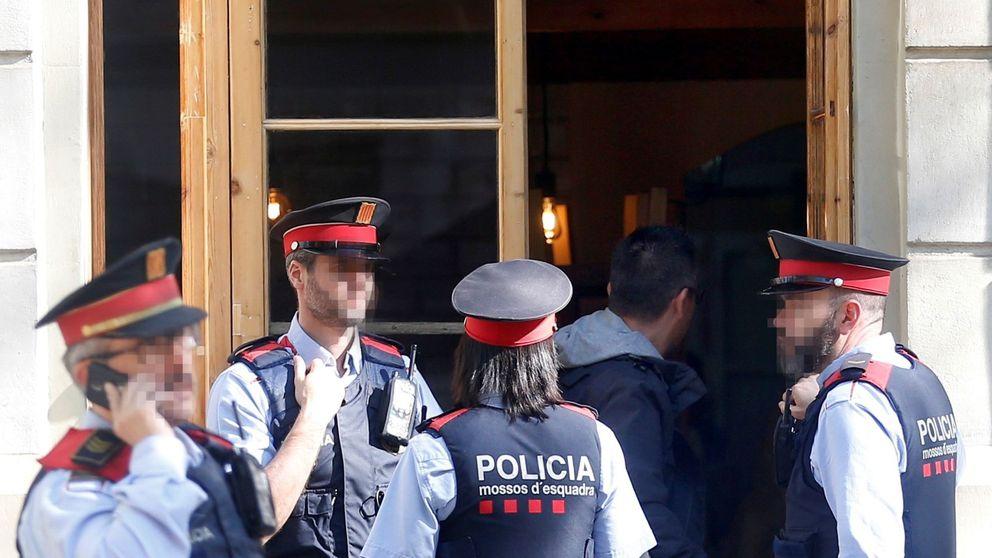 Los 300 'mossos' díscolos se hartan: recurren a los tribunales para ser policías o guardias