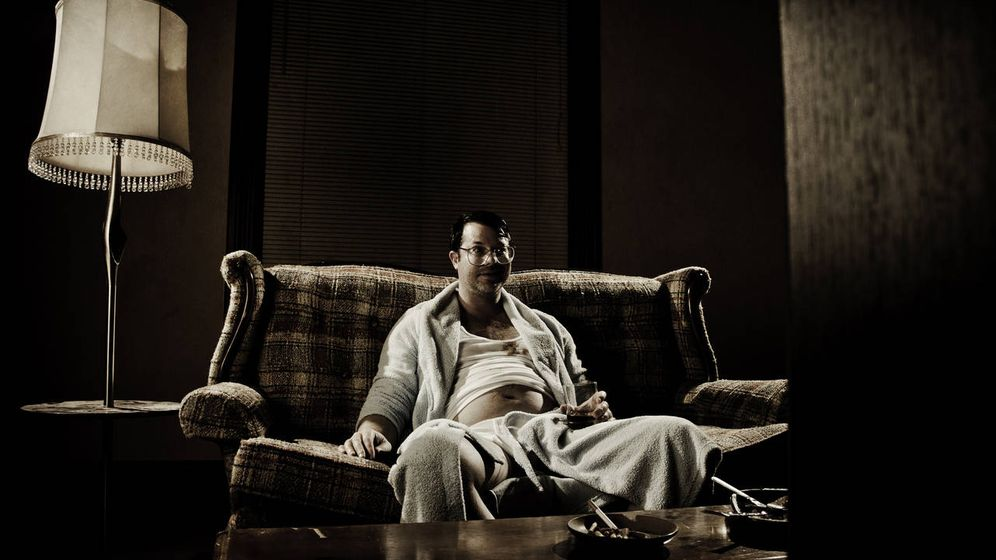 Foto: ¿Atrapado en el sofá por la tripa? (iStock)