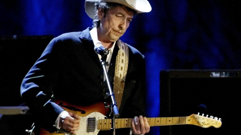 Si Bob Dylan vende sus canciones por 300 millones, ¿podría hacer lo mismo Sabina?