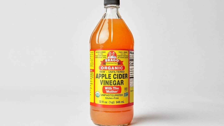 Vinagre de manzana de la marca Bragg. (Cortesía)