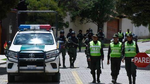 Moncloa admite que escoltó a asilados en la embajada de México para abandonar Bolivia