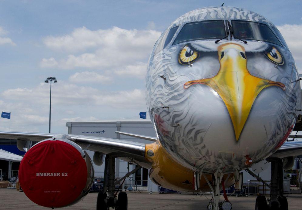 Foto: Un Embraer E190-E2 cerca del aeropuerto de Paris-Le Bourget. (Reuters)