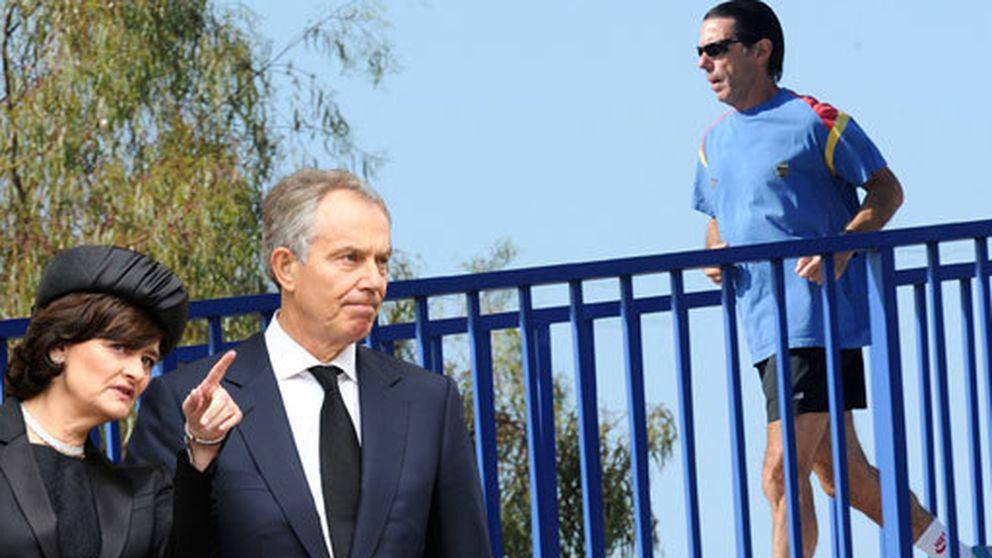 El just looking de Tony Blair y la camiseta mojada de José María Aznar en Guadalmina