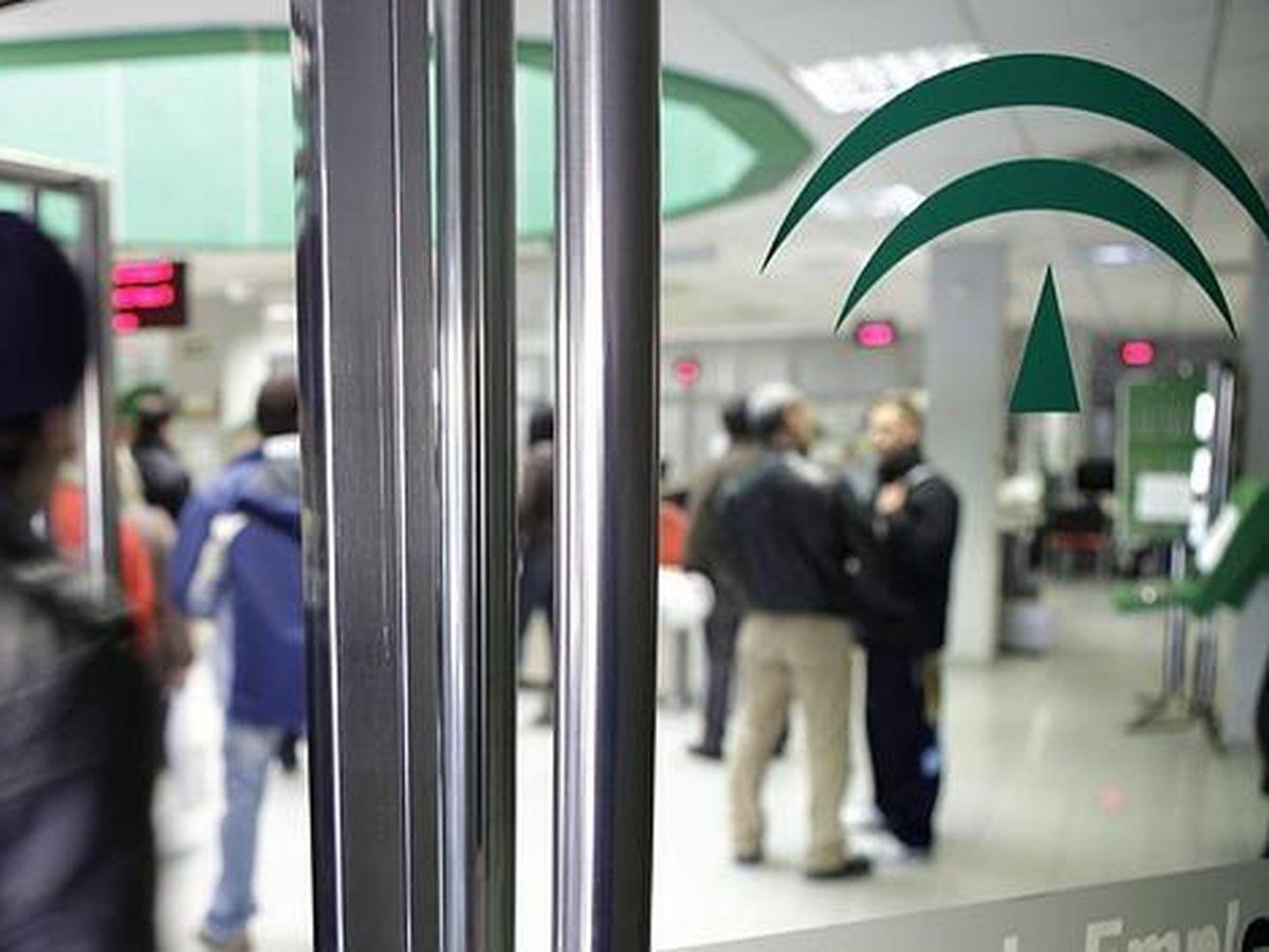 Foto: Imagen de archivo de una de las oficinas del Servicio Andaluz de Empleo (SAE).