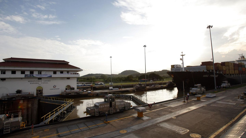 Vista de la esclusa de Miraflores en el Canal de Panamá en 2016. (EFE)