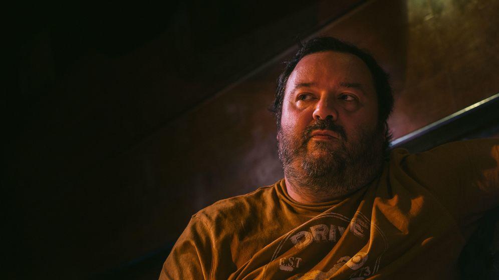 Foto: Natxo Allende, 'Torbe', durante el rodaje de 'Putero y yo'. Foto: PABLO LÓPEZ LEARTE