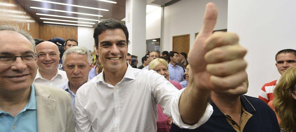 Foto: Pedro Sánchez, con los militantes en Córdoba (EFE)