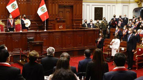Monedero 'se cuela' en la toma de posesión del presidente de Perú junto a Felipe VI