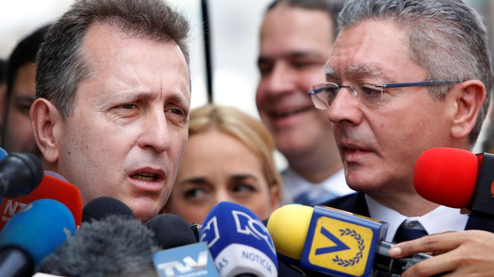 Foto: Javier Cremades (i) y Alberto Ruiz-Gallardón (d). (EFE)