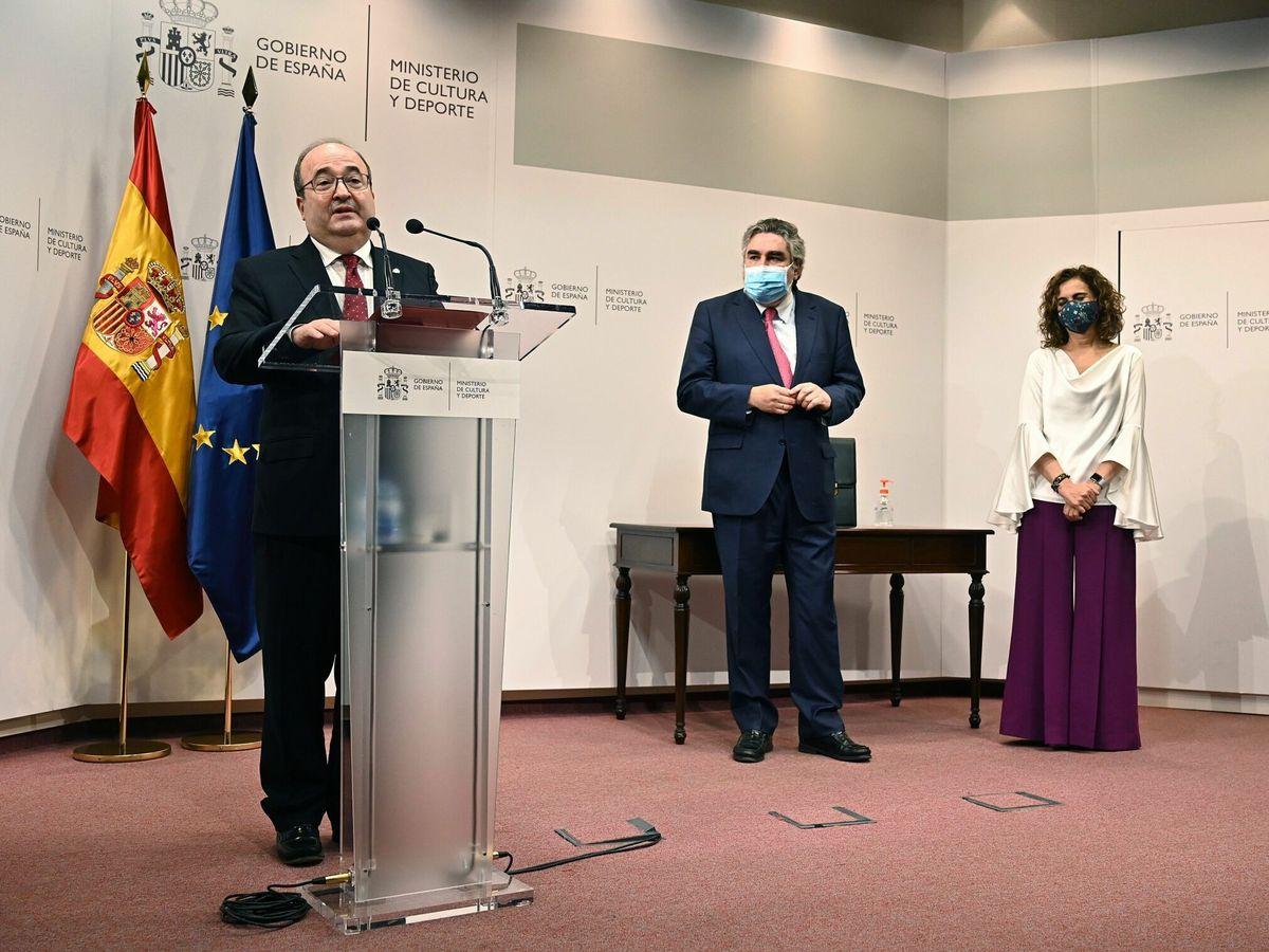 Foto: Traspaso de cartera del nuevo ministro de Cultura y Deporte, Miquel Iceta. (EFE)
