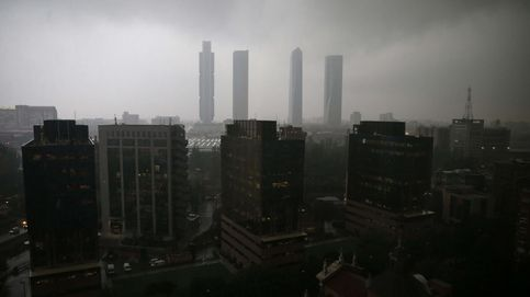 Las imágenes de la lluvia en Madrid: impresionantes fotos de las precipitaciones