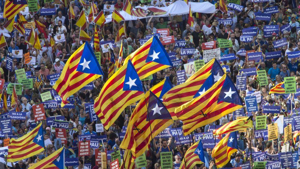 Foto: Manifestación contra los atentados yihadistas en Cataluña el pasado año. (EFE)
