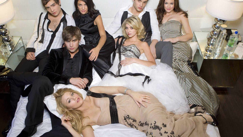 Est Westwick con el resto del elenco de 'Gossip Girl'.