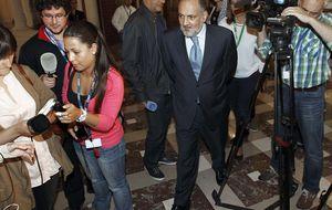 El TC rechaza por 9 a 2 recusar a su presidente Pérez de los Cobos
