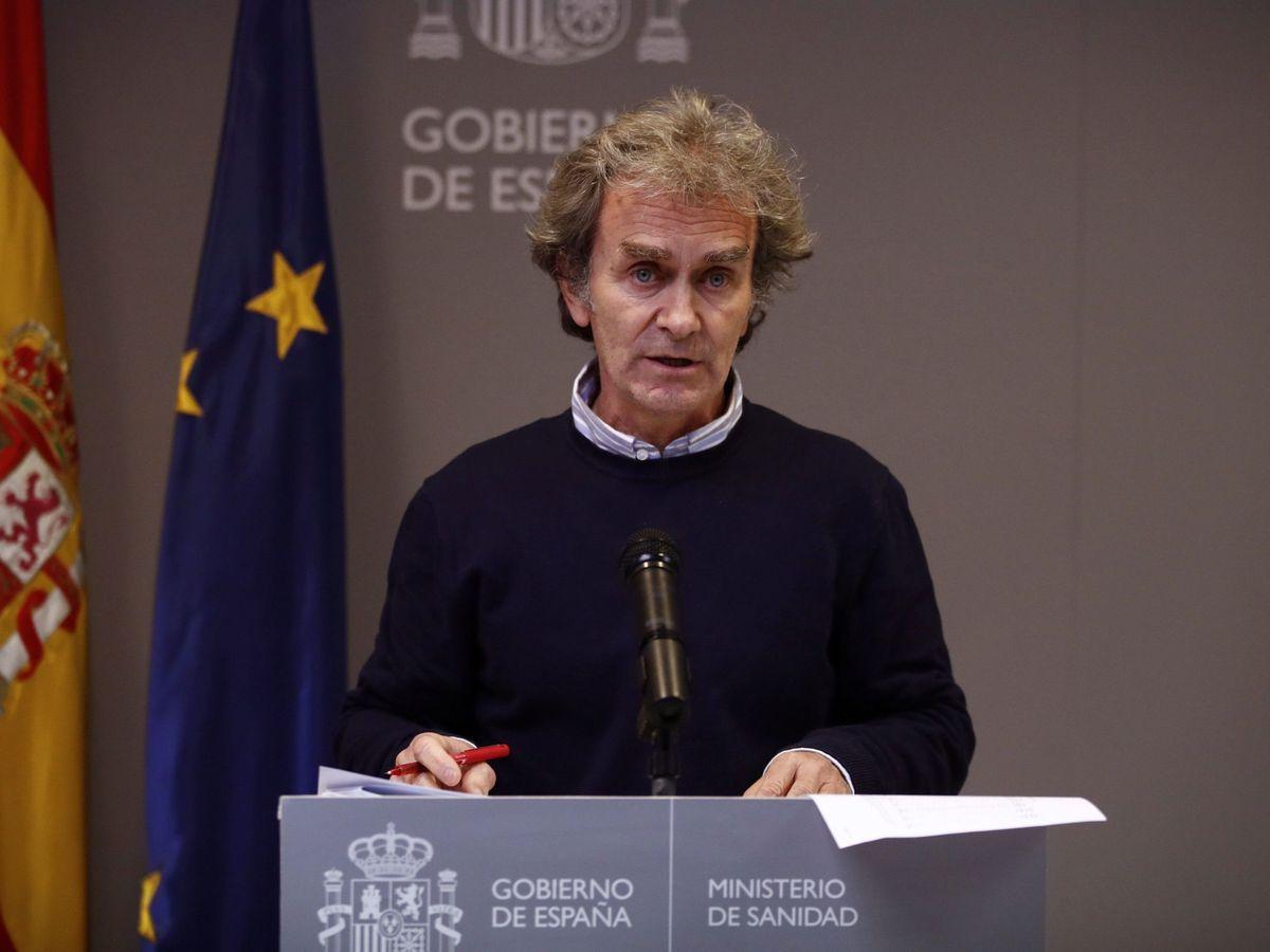 Foto: El director del CCAES, Fernando Simón, durante una rueda de prensa en el Miisterio de Sanidad. (EFE)