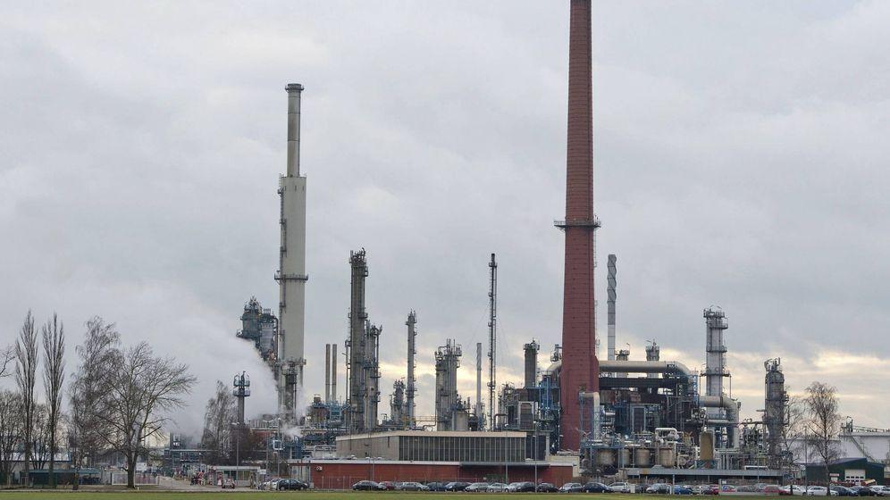 Foto: Imagen de archivo de una refinería en Ingolstadt, Alemania. (EFE)