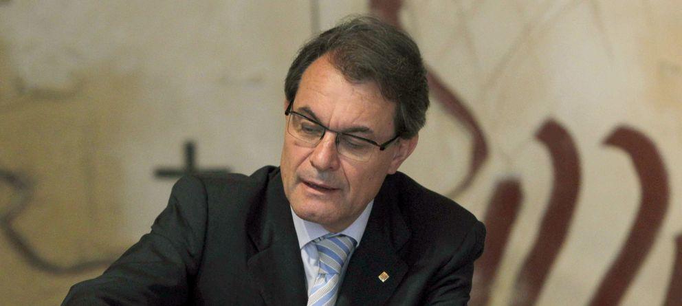 La Generalitat cuela una trampa técnica a Bañuelos en la ley de BCN World