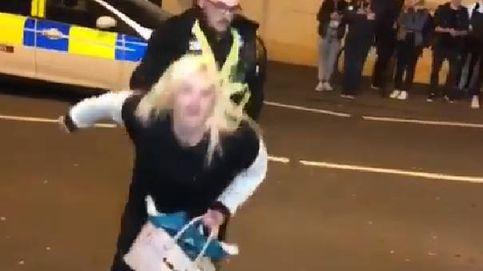 Una mujer hace 'twerking' delante de un policía y termina la noche en el calabozo