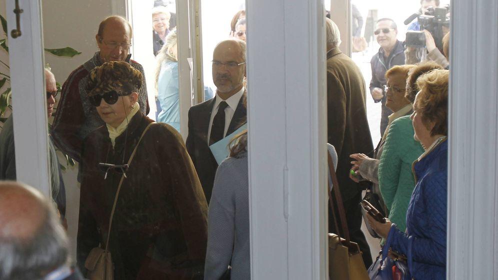 Foto: La secretaria municipal de Lantadilla, Teresa Romero, entra en el juzgado durante el juicio por la suspensión de su salario. (cedida por 'El Norte de Castilla')