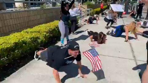 Protestas en Florida por el cierre de los gimnasios haciendo sentadillas