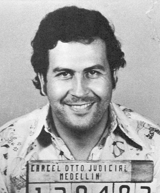 Foto: Imagen de Pablo Escobar detenido. (CC/Policía de Colombia)