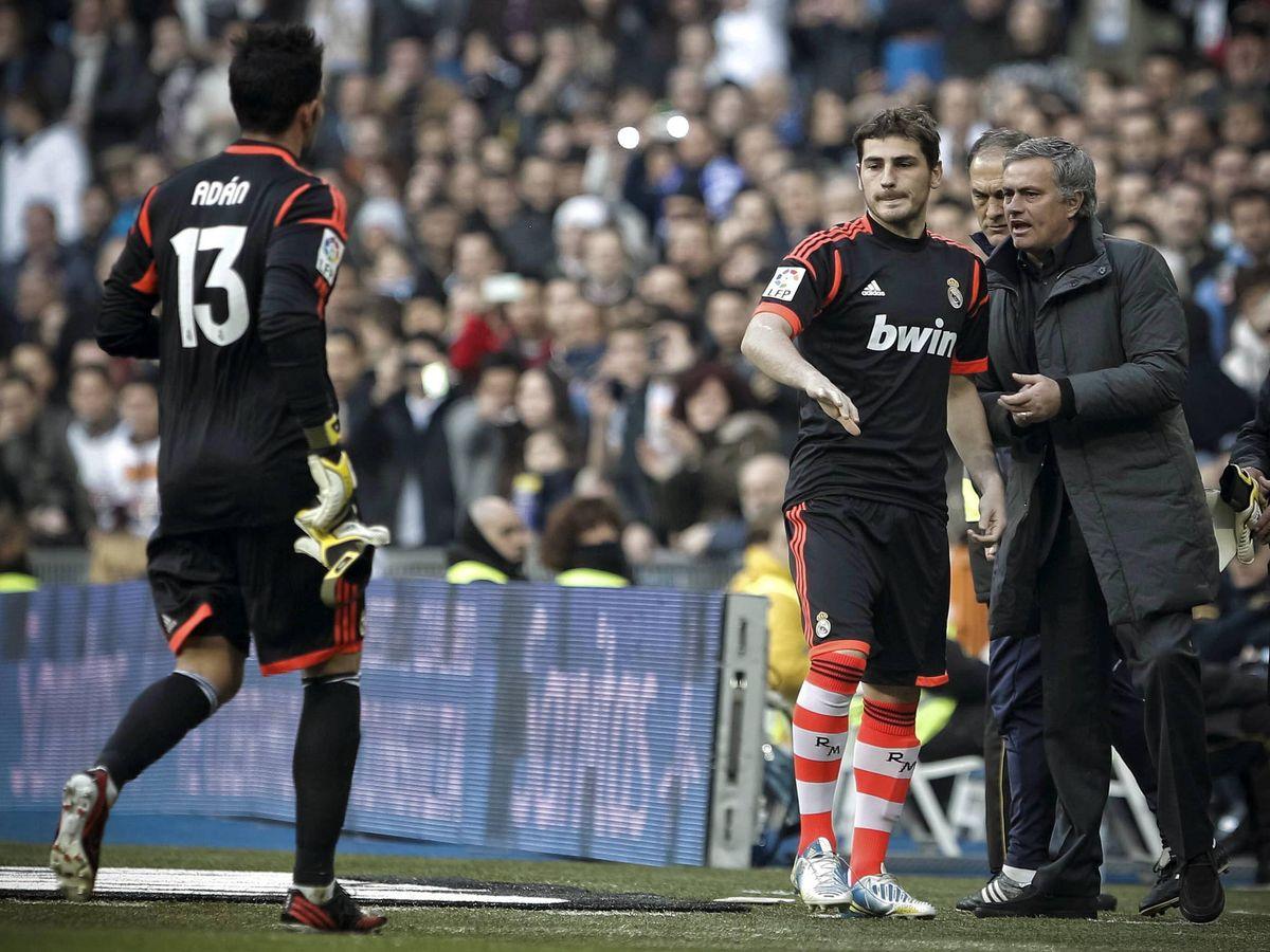 Foto: José Mourinho con Iker Casillas y Antonio Adán. (Efe)