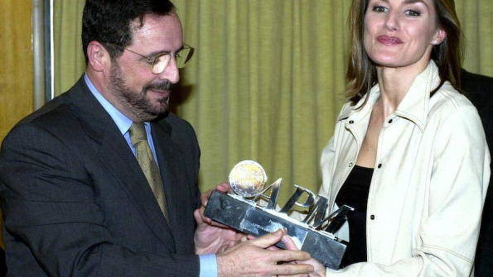 Foto: La reina Letizia, recibiendo el Premio Larra. (EFE)