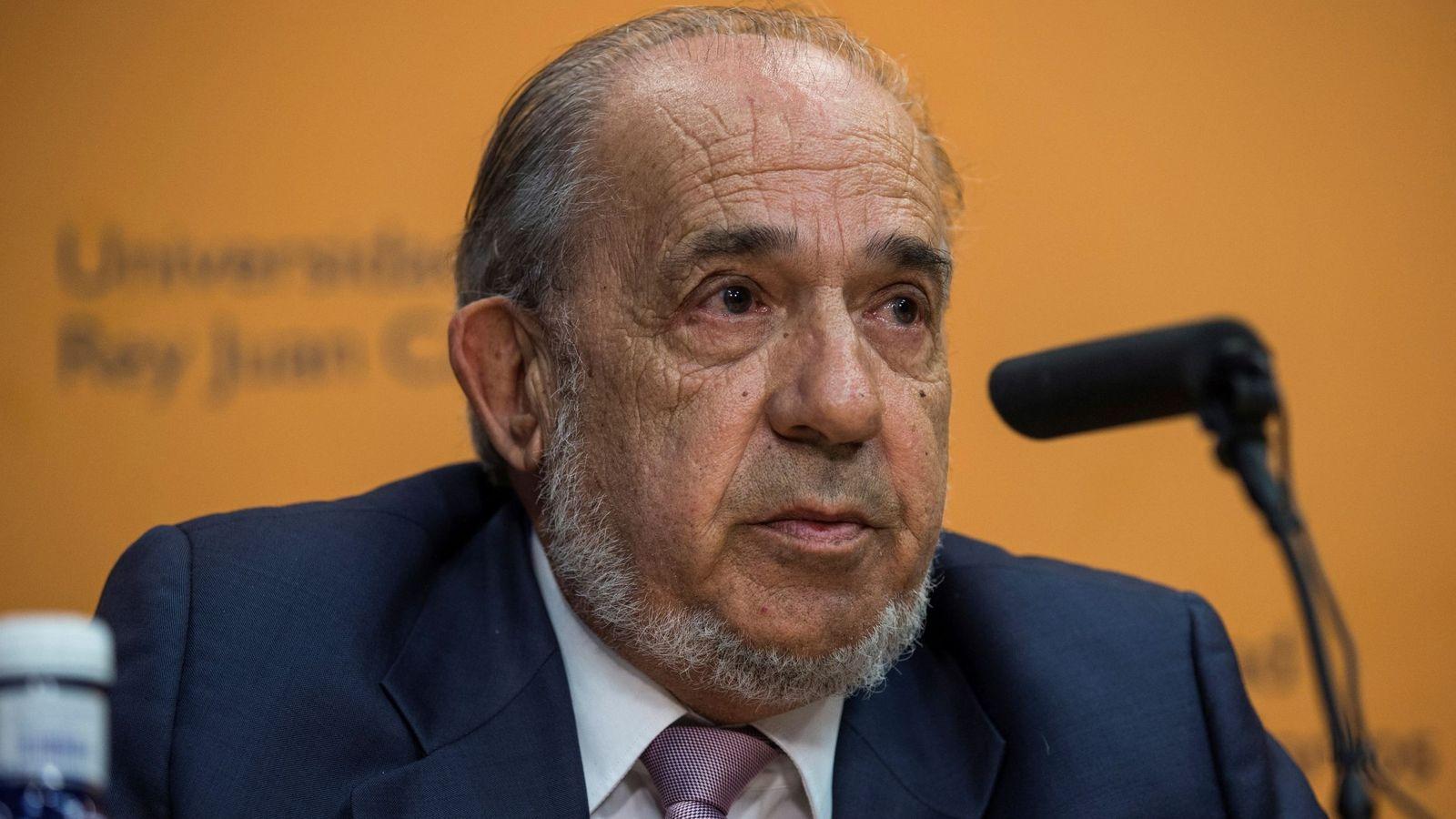 Foto: Enrique Álvarez Conde, director del Instituto de Derecho Público. (EFE)